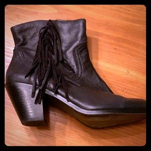 Sam Edelman Fringed Leather Bootie - Size 10